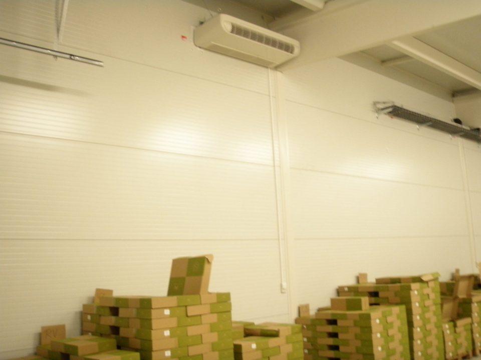 Multifunkční radiátor ve skladě vína