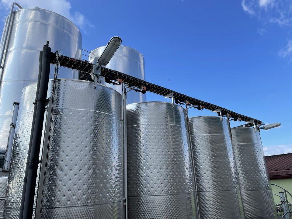 Technologie řízeného kvašení pro Vinařství Velké Bílovice
